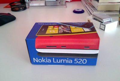 Lumia-520-kutu