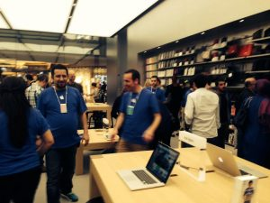 Apple_Store_Zorlu_Center (6)