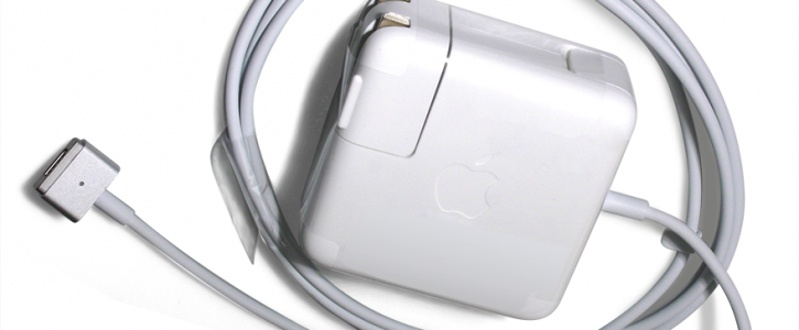 Macbook_air_charge_adaptor